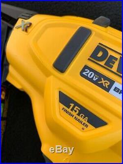 DEWALT 20V MAX XR 15 Gauge Angled Finish Nailer