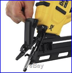 DEWALT DCN650D1 Cordless Nailer With 20v Battery + Charger. Brand new