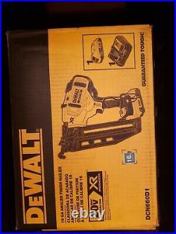DEWALT DCN660D1 Cordless 16 GA Angled Finish Nailer Kit New