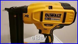 DEWALT DCN680B 20V MAX XR 18 Gauge Brad Nailer Kit MINT