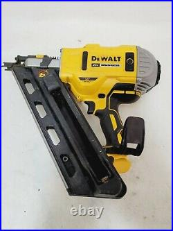 DEWALT DCN692 20V 2-3.5 Cordless 30° Framing Nailer For Parts or Repair