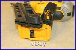 DEWALT DCN692 20V MAX XR Dual Speed Framing Nailer + DCB204 + DCB115 Charger