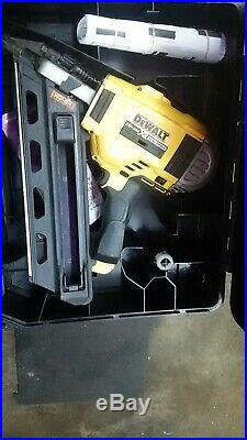 DEWALT DCN692 DCN92M1 20Volt Cordless Brushless Framing Nailer Kit Used Once