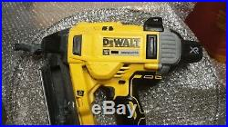 DEWALT DCN890P1 XR 18V Brushless Concrete Nailer Unit + 5.0Ah DCB184, No Charger