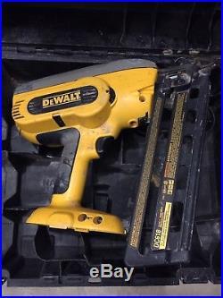 DeWALT DC618 BARE Tool with case 18V Cordless Finish Finishing Nailer Nail Gun