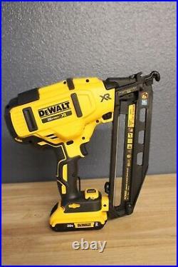 DeWALT DCN660D1wDCB203 20V MAX 16Ga Angled Cordless Finish Nailer KIT