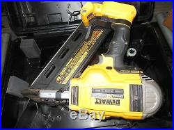 DeWalt 20V MAX Brushless Li-Ion Framing Nailer DCN692 WITH HARD CASE-TOOL ONLY