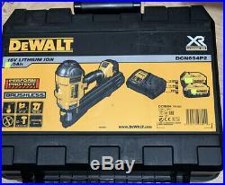 DeWalt DCN694P2 18V XR Li-Ion Metal Connector Nailer 2 x 4.0ah Kit (M)