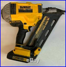 Dewalt 20V Max Li-Ion 30 Degree Paper Collated Framing Nailer With Battery