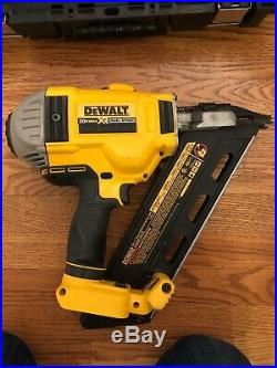 Dewalt 20v Cordless Framing Nailer DCN692M1 (Nail Gun)
