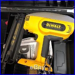 Dewalt DC608B w Case 18 volt 18 gage Brad nailer nail gun New Bare tool