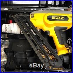 Dewalt DC628B w Case 18 volt 15 gage cordless trim nailer nail gun New Bare tool