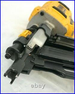 Dewalt DCN21PLM1 PLASTIC COLLATED FRAMING NAILER NAIL GUN, VG