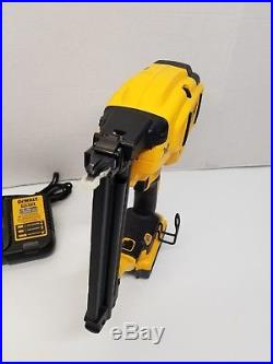 EXCELLENT DeWalt DCN680 20 V MAX XR 18Gauge Brushless Brad Nailer Nail Gun Kit