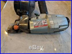Hitachi NV65AH 2.5 Coil Round Head Pneumatic Siding Nailer Nail Gun TESTED