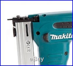 Makita DST221Z 18V Cordless Heavy Duty Stapler Nail Gun Nailer + Makpac Case
