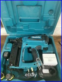 Makita Gf 600se nail gun 2nd fix nailer complete