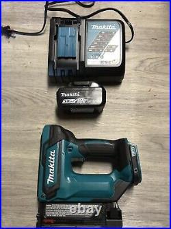 Makita XTP02Z 18V LXT LithiumIon Cordless Pin Nailer Tool Only