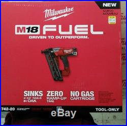 Milwaukee 2742-20 M18 FUEL 16ga Angled Finish Nailer (Tool Only) Nail Gun