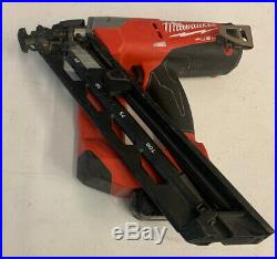 Milwaukee 2743-20 M18 FUEL 15GA Finish Nailer with 2.0 Battery And Charger Used
