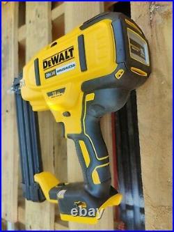 No box DeWALT 20V MAX Li-Ion XR Brushless 18 Gauge Cordless Brad Nailer DCN680D1