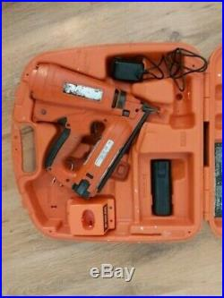 PASLODE IM250A ANGLED Finishing Brad Nailer With box and two batteries