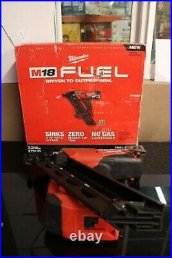 Used Milwaukee 2743-20 M18 Fuel 15 Gauge Finish Nailer Tool Only